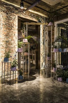Post Standards Showroom Interior Design, Modern Interior, Interior Architecture, Restaurant Kitchen Design, Terrace Restaurant, Industrial Living, Cafe Bar, Cafe Design, Retail Design