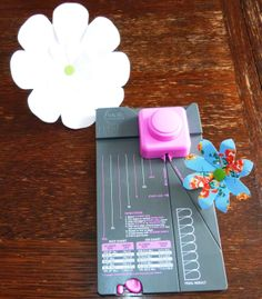jennyskreativewelt: Flower Punch Board von We R Memory Keepers
