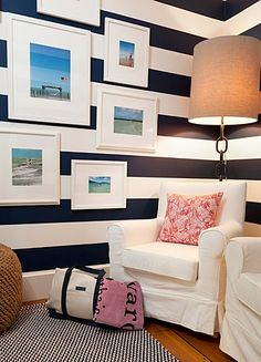 Let us introduce you to the world's preppiest hotel rooms: The Vineyard Vines Suites at two Lark Hotels, Captain Fairfield Inn in Kennebunkport and 76 Main in Nantucket. Interior Exterior, Interior Design, Estilo Navy, Guest Bedrooms, Guest Room, 3d Studio, Hotel Suites, Of Wallpaper, My New Room