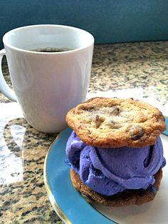 ChadLou's Coffee Lounge @ Kailua (月-金7:00-20:00、土日7:00-19:00) ※ウベのアイスクリーム・サンド