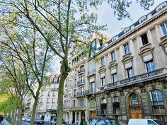 Paris je t'aime 😍 Always elegant, always breathtakingly beautiful ❤️ #melbournelifelovetravel #paris #architecture #afternoon #stroll #holiday #memories #visitparis #france #beautiful #picturesque #scenic #buildings #history #majestic #jetaime #parisisalwaysagoodidea #thatview