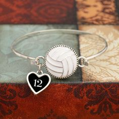 Custom Loved One Volleyball Wire Bangle Bracelet Volleyball Senior Gifts, Volleyball Birthday Party, Volleyball Locker Decorations, Volleyball Necklace, Volleyball Gear, Senior Night Gifts, Coaching Volleyball, Softball, Volleyball Outfits
