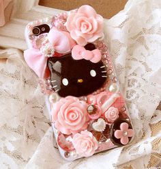 Hello Kitty pink roses and chocolates decoden cell phone case. Decoden Phone Case, Kawaii Phone Case, Diy Phone Case, Leather Cell Phone Cases, Bling Phone Cases, Cute Cases, Cute Phone Cases, Biscuit, Rosa Rose