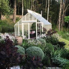 / greenhouse and garden / Summer House Garden, Porch Garden, Dream Garden, Back Gardens, Outdoor Gardens, Greenhouse Shed, London Garden, My Secret Garden, Dream Decor