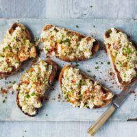 Devilled crab on toast