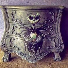 Bedroom Diy Goth Nightmare Before Christmas 61 Ideas Gothic Furniture, Funky Furniture, Shabby Chic Furniture, Furniture Makeover, Painted Furniture, Skull Furniture, Classic Furniture, Nightmare Before Christmas, Goth Home Decor