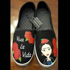 Frida Kahlo theme. #kimmiescustomkicks #handpaintedshoes #kimberlys_creations #customshoes #fridakahlo #women #girlpower #womensrights #vivalavida #fridakahloshoes