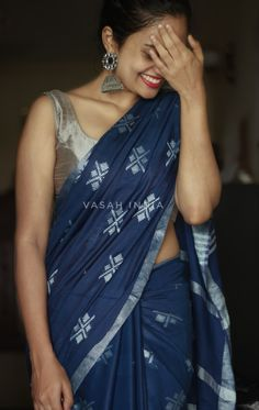 Indian Fashion, Womens Fashion, Saree Fashion, Aunty In Saree, Net Lehenga, Casual Saree, Silver Accessories, Saree Styles, Indian Sarees