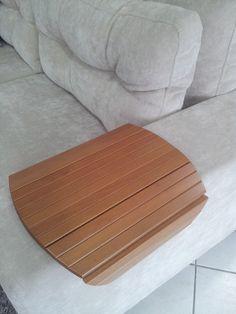 Esteira de descanso para braço de sofá! Disponível nas cores: tabaco, mel e pinhão e nos formatos: oval, quadrada, redonda e retangular. http://www.moradamoveis.com/