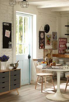 Los #muros de la #cocina también están para #decorar. ¡Inténtalo! #Decomuro #DecomuroFuror #Reloj #Cuadros #Canvas