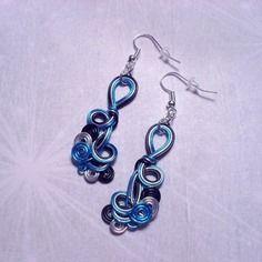Boucles d'oreilles fil d'aluminium, bleu, gris, noir - 135