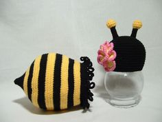 Ruffle Cocoon and Flower Hat Bumble Bee Set  by ElenasBabyCorner, $30.00