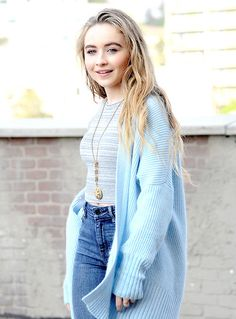 Welcome to Sabrina Carpenter Daily! Your first and ultimate go-to source for all things Sabrina. Sabrina Carpenter Songs, Celebrity Pictures, Celebrity Style, Taylor Swift, Girl Meets World, Belle Photo, Barista, American, Cute Outfits