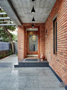 Design Discover The Brick Abode / Alok Kothari Architects Village House Design, House Front Design, Small House Design, Modern House Design, Indian Home Design, Kerala House Design, Design Exterior, Brick Design, Entrance Design