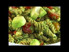 This Southwestern Pesto Pasta is packed with protein and vegetables making it a really healthy dinner that's quick and easy to make! It's so fresh tasting and perfect for a light dinner or potluck salad! It's also vegan and gluten free! My Favorite Food, Favorite Recipes, Potluck Salad, Crispy Chickpeas, Supper Ideas, Pesto Pasta, Weight Watchers Meals, Vegan Dinners, Vegan Vegetarian