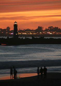 A Santa Cruz Sunset Santa Cruz California, California Dreamin', Best Places To Live, Places To Visit, Santa Cruz Boardwalk, Costa, Santa Cruz Beach, Surf City, Laundry Hacks