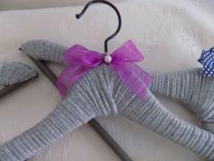 .: Perchas recicladas con tejido de algodón