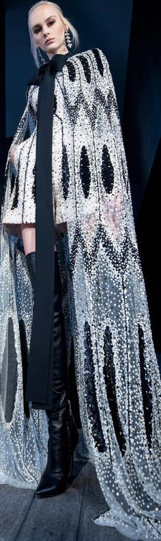 Miranda Priestly, Elie Saab Couture, Ellie Saab, Devil Wears Prada, Fashion Sketches, Ready To Wear, Kimono Top, Chic, Elegant