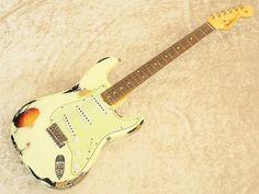 Fender Custom Shop Team Built Custom 1960 Stratocaster Heavy Relic (Vintage White over 3 Tone Sunburst)