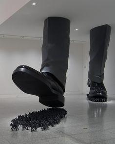 Do Ho Suh, Karma, 2003