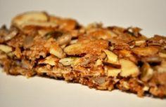 Paleo Granola Bars and more Paleo snacks on-the-go ideas at MyNaturalFamily.com #paleo #snacks