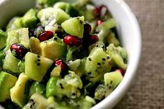 Kiwi salsa with kiwifruit, pomegranate seeds, avocado, and jalapeño chiles. A bright fresh salsa, perfect to accompany Mexican dishes! Kiwi Recipes, Pomegranate Recipes, Simply Recipes, Raw Food Recipes, Healthy Recipes, Pomegranate Seeds, Juice Recipes, Clean Recipes, Cilantro