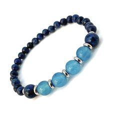 Lapis lazuli with sky blue agates beads bracelet. #lapislazuli #blueagate #bluebracelet #bluejewelry #lapisjewelry #lazulijewelry #agatebracelet