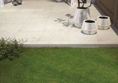 Discover the new thick porcelain stoneware, suitable for outdoor areas: bringing elegance and high performance together. Outdoor Pavers, Outdoor Flooring, Paver Sidewalk, Patio Tiles, Wooden House, Outdoor Furniture, Outdoor Decor, Stoneware, Sharjah