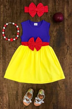 Our Snow White inspired dress is is one of the cutest dresses we have seen and is super trendy! These are top quality and true boutique style dresses! Frock Design, Baby Dress Design, Baby Outfits, Kids Outfits, Dresses Kids Girl, Cute Dresses, Kids Fashion Boy, Girl Fashion, Fashion Clothes