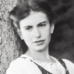 """thefingerfuckingfemalefury: """" """" Anna Freud, the daughter of legendary psychologist Sigmund Freud, was born on this day in Today, Anna is most well remembered for being a. Sigmund Freud, Anna Freud, History Of Psychology, Strength Of A Woman, Art Of Seduction, Historical Fiction, Popular Culture, Biography, Role Models"""
