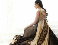 مجموعة من أزياء الساري الهندي بالألوان الترابية