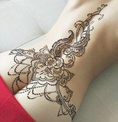 As aesthetically pleasing as tattoos are, they can be costly and require a lot of time, effort, and patience. Mehndi Tattoo, Lace Tattoo, Henna Tattoo Designs, Henna Designs Back, Henna Tattoo Back, Mandala Tattoo Back, Henna Mehndi, Hot Tattoos, Body Art Tattoos