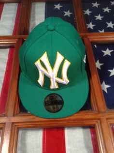 NEW ERA 59FIFTY  FITTED CAP NEW YORK YANKEES NY MLB Hat Green Size 8 Yellow Euc #59Fifty