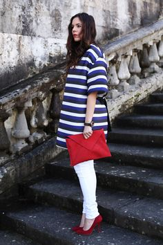 look primavera 2014 fashion blogger pantaloni bianchi scarpe rosse  (9)