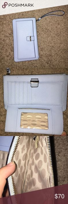 SALE 🔥🔥🔥🦋Kate Spade Wallet Kate Spade Wallet, great condition!  minor spot on second picture. Looks brand new!! SHIPS TODAY kate spade Bags Wallets