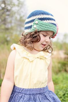 Girls Crochet Hat, Darby Hat, Baby, Toddler, navy, coral, Button tab $28