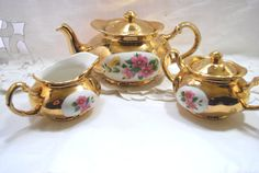 Gold Tea Set in Porcelain with Flower Crest by Dupasseaupresent