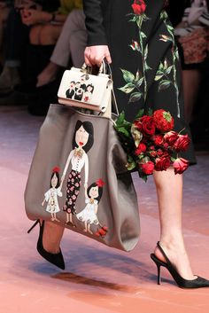 The complete Dolce & Gabbana Fall 2015 Ready-to-Wear fashion show now on Vogue Runway. Fashion Mode, Fashion Bags, Fashion Show, Fashion Accessories, Womens Fashion, Milan Fashion, Runway Fashion, Ethno Style, Diy Sac