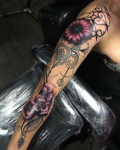 Only like how the color looks glowing - Source tatoo feminina, tattoo feminina delic Tattoo Girls, Girl Tattoos, Tatoos, Great Tattoos, Beautiful Tattoos, Body Art Tattoos, Beautiful Body, Hand Tattoos, Tattoo Designs