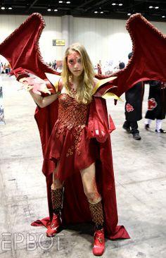 Dragon cosplay at MegaCon by Epbot Dragon Costume Women, Diy Dragon Costume, Shrek Costume, Cool Costumes, Costumes For Women, Cosplay Costumes, Halloween Costumes, Costume Ideas, Shrek Dragon