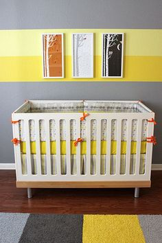 Yellow and gray color pallet give this nursery a modern, clean and fresh design. #yellow #baby #nursery