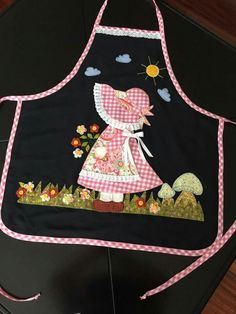 Christmas Apron - Ladies Apron - Christmas Gift - Apron for Women - Holiday Apron - Gift for Mom Diy Sewing Projects, Sewing Crafts, Machine Embroidery Designs, Hand Embroidery, Quilt Patterns, Sewing Patterns, Christmas Aprons, Japanese Quilts, Cute Aprons