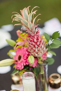 Flamingo Themed Engagement Shoot Party Retro pineapples gold pink wedding inspiration-9 Pineapple Centerpiece, Retro Wedding Dresses, Pre Wedding Photoshoot, Wedding Looks, Tropical, Wedding Blog, Bridal Shower, Wedding Inspiration, Engagement Parties