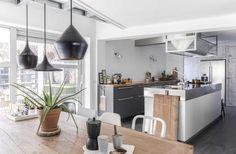 Marcel houdt van bouwen en klussen, Sabrina van stylen en inrichten. In dit moderne en lichte herenhuis in Breda komt dat allemaal samen.