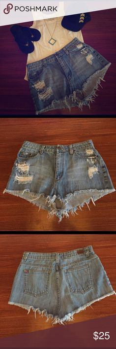 U/O BDG High Rise Cheeky size 32 Coachella U/O BDG High Rise Cheeky size 32 distressed shorts.  100% cotton, very soft.  Great vintage  distressed style. Urban Outfitters Shorts Jean Shorts