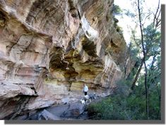 There are many and varied colours in the rocks ... think shades of makeup / tribal paint (Hands on the Rock Ulan near Mudgee)