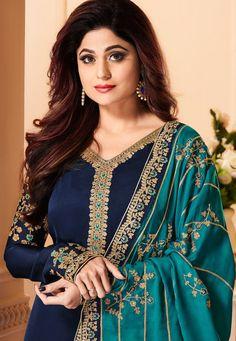 Stylish Dress Designs, Dress Neck Designs, Stylish Dresses, Indian Fashion Dresses, Indian Outfits, Pakistani Bridal Dresses, Pakistani Dress Design, Churidar Suits, Salwar Kameez