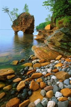 The Apostle Islands National Lakeshore is a U. national lakeshore consisting of 21 islands and shoreline encompassing acres on the northern tip of Wisconsin on the shore of Lake Superior. Beautiful World, Beautiful Places, Beautiful Islands, Beautiful Rocks, Wonderful Places, Belleza Natural, Amazing Nature, Belle Photo, The Places Youll Go