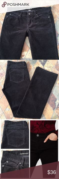 """🆕 LOFT Black Modern Boot Cords Modern Boot corduroy pants by Ann Taylor LOFT. These pants are a dark black, true color in photo #4. Pants have three front pockets and two back. Also has belt loops with a zipper fly and a metal button. Content is 97% Cotton & 3% Spandex. Flat lay measures 17"""" waist & 33.25"""" inseam. In excellent condition with NO spots or holes. Price cut was $36 LOFT Pants Boot Cut & Flare"""