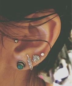 wish i kept all my piercings for looks like this...
